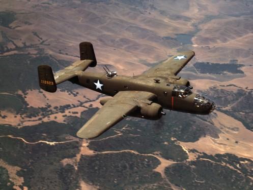 North_American_Aviation's_B-25_medium_bomber,_Inglewood,_Calif