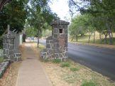 1200px-FtRuger-old-gatepost