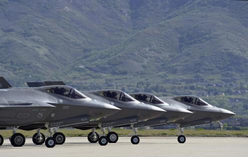 f-35s-on-runway